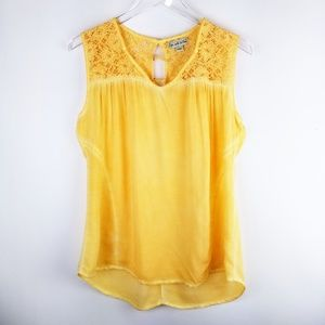 Live and Let Live Tunic Top. Yelliw. Size L